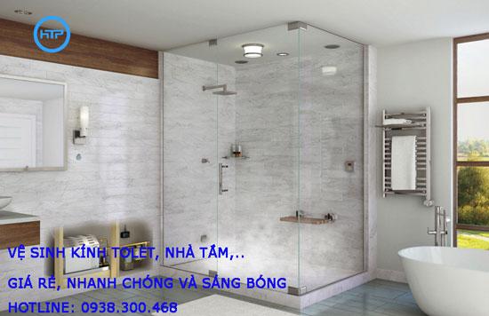 Vệ sinh kính nhà tắm